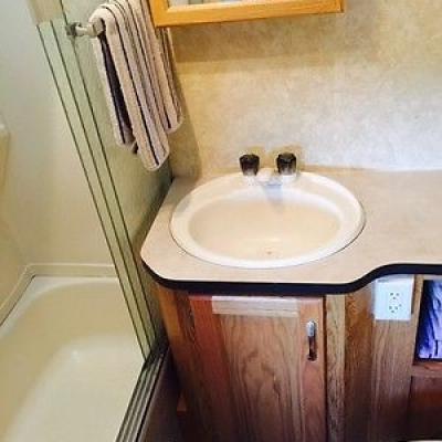 Holiday Rambler Bathroom